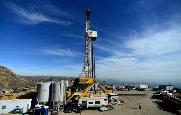 100,000-ton Porter Ranch gas leak is largest in U.S. history, scientists say