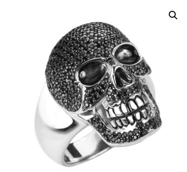 Why every man should wear skull rings once in their lifetime?